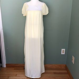 VINTAGE 1980's  NIGHTGOWN